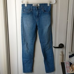 We The Free Light Wash Skinny Jeans 26